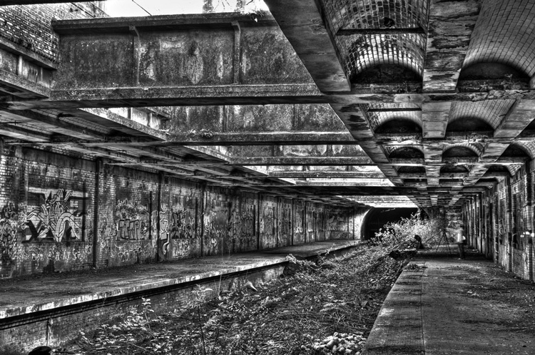 grungy hdr in black and white